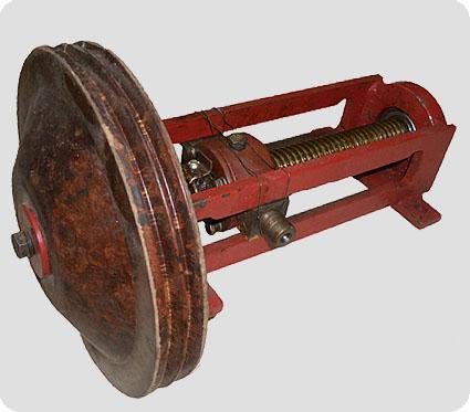 Привод поворота траверсы со шкивом к Л4-ХТВ